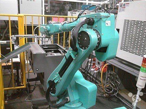 富士康手机:近年已有超一半工人被机器手臂取代